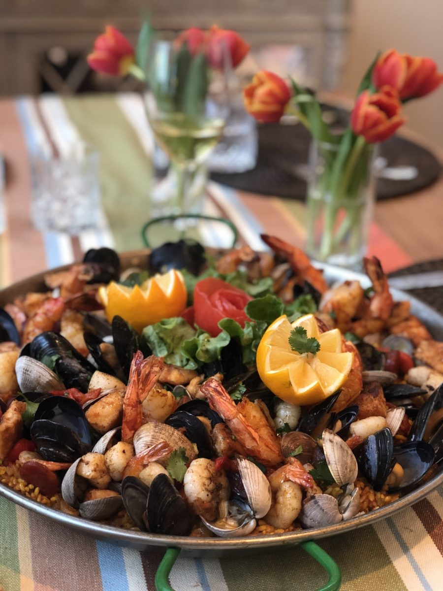Paella – a perfect, people-pleaser